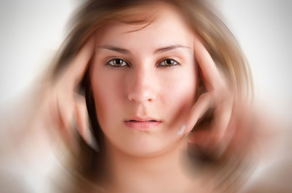 Chứng thoái hóa đốt sống cổ gây đau đầu