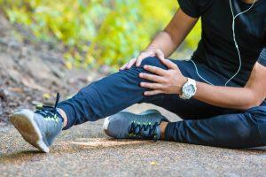 Đau khớp gối ở tuổi 30 có nguy hiểm không?