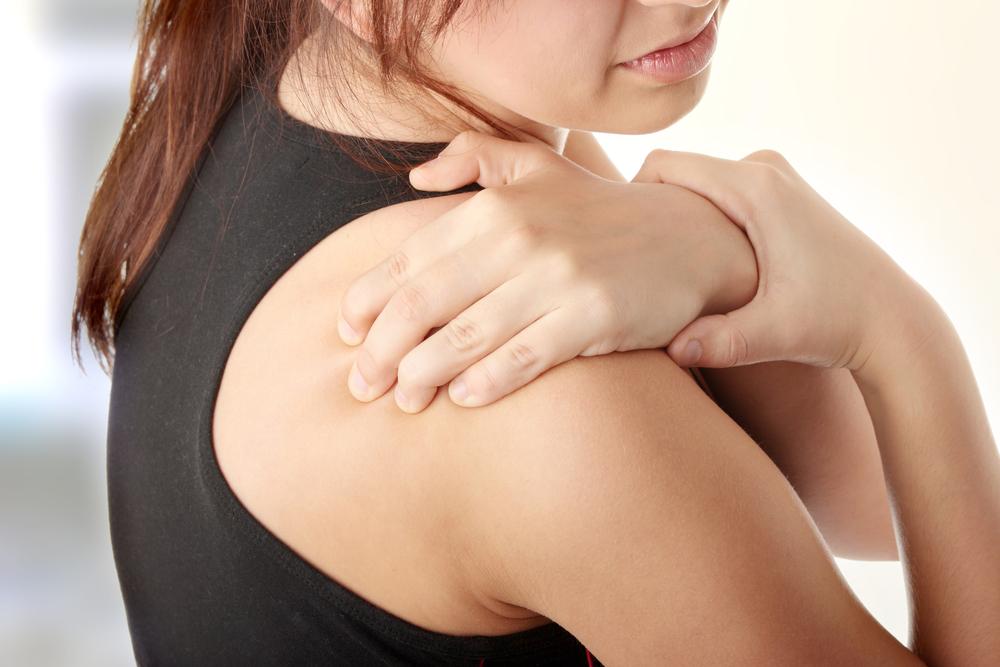 Đau là triệu chứng nhận biết bệnh thoái hóa khớp vai