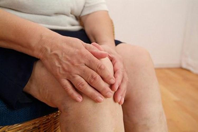 Cách chữa thoái hóa khớp gối ở người cao tuổi