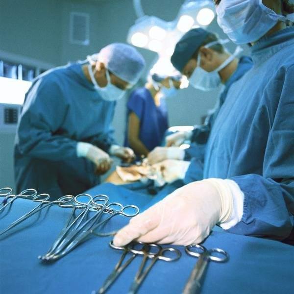 Phẫu thuật trị thoái hóa khớp gối ở người trẻ tuổi