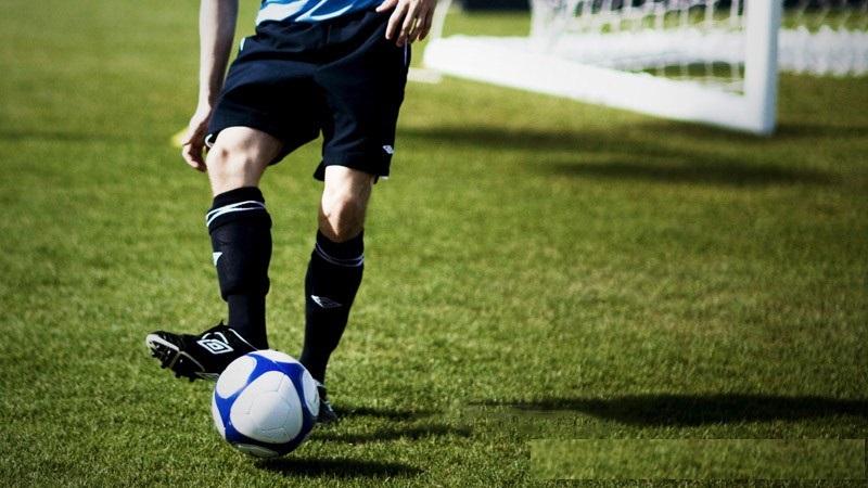 Bị thoái hóa khớp gối có nên chơi thể thao không?