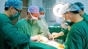 Hình ảnh minh họa thay khớp háng ở bệnh viện Bạch Mai.jpg