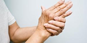 Hiện tượng nhức mỏi chân tay là bệnh gì?
