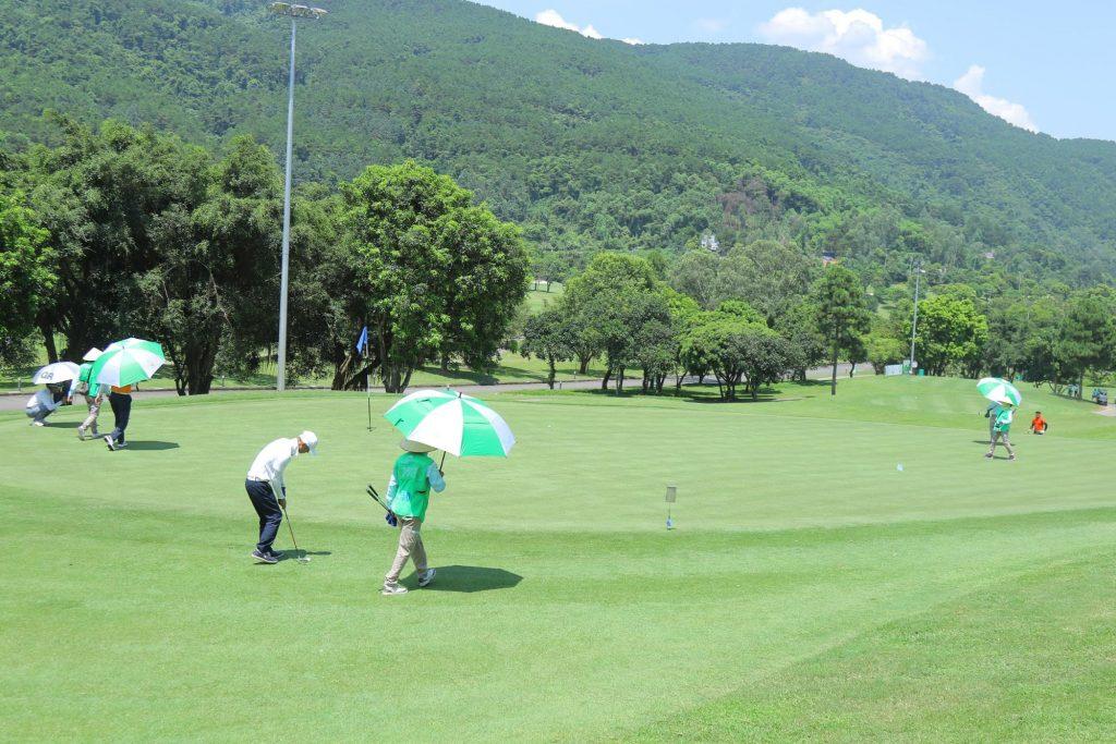 Chữa thoái hoá khớp cho Golfer bằng liệu pháp từ Thái Y Viện dâng lên Vua